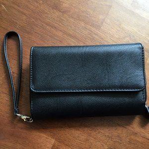 """Black faux leather multi-compartment wristlet 7X5"""""""